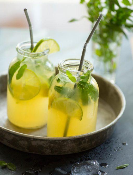 Cocktail au litchi et à la menthe