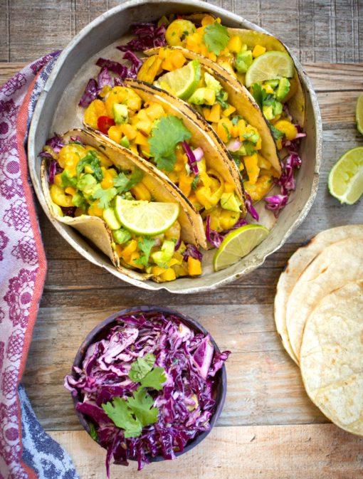 Tacos de crevettes au curcuma