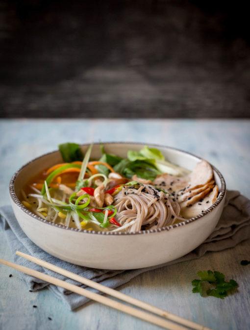 Soupe asiatique de nouilles soba