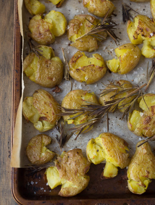 Patates écrasées au romarin