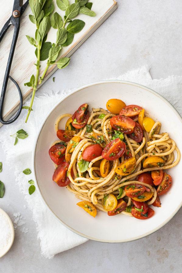 Pâtes aux tomates fraîches et basilic