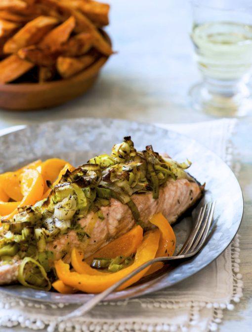 Saumon minute aux poireaux et poivron