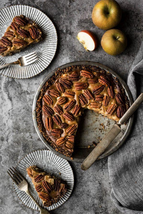 Tarte aux pacanes, pommes et caramel