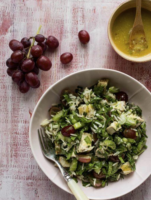 Salade de riz, poulet et raisins