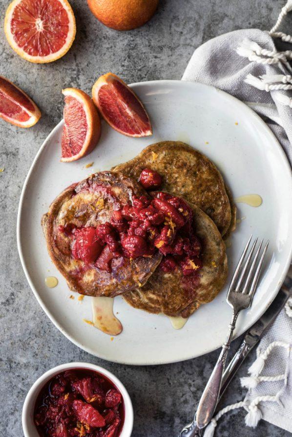 Pancakes aux framboises, citron et graines de pavot