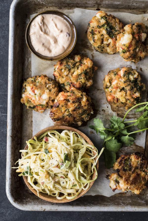 Croquettes de crevettes et salade de chou à la mangue