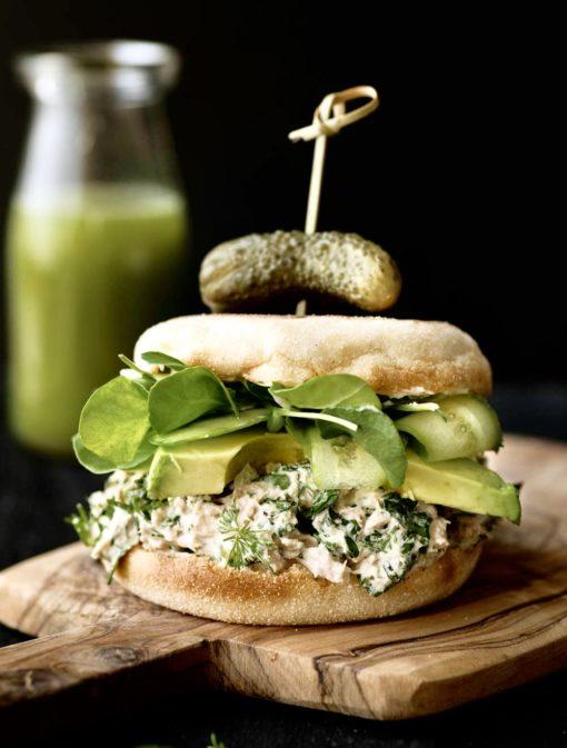 Sandwichs à la salade de thon aux herbes