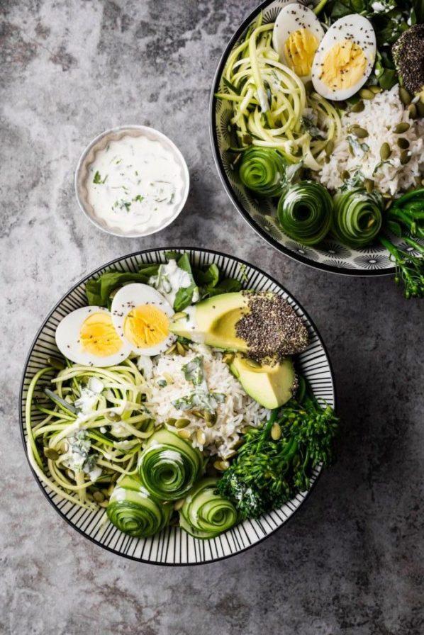 Bol énergie riz, légumes et oeufs