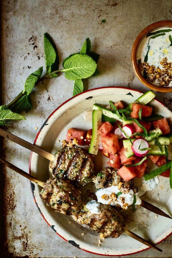 Keftas de dinde et salade de melon d'eau