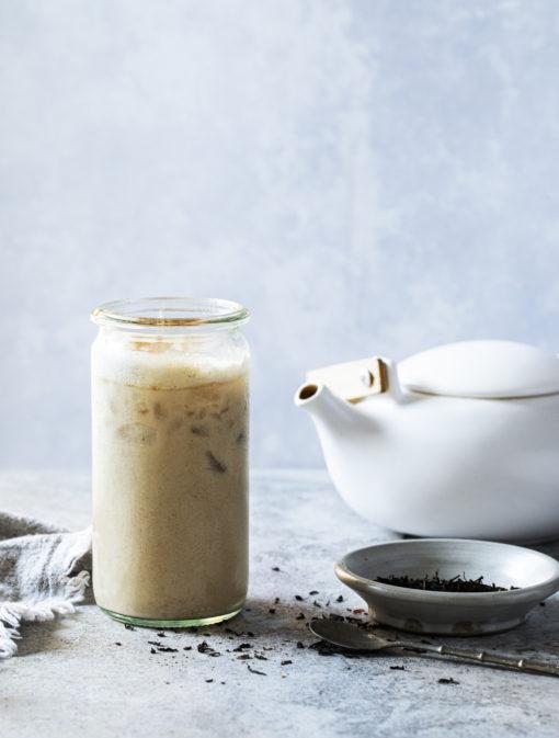Milkshake banane, tahini et épices chaï