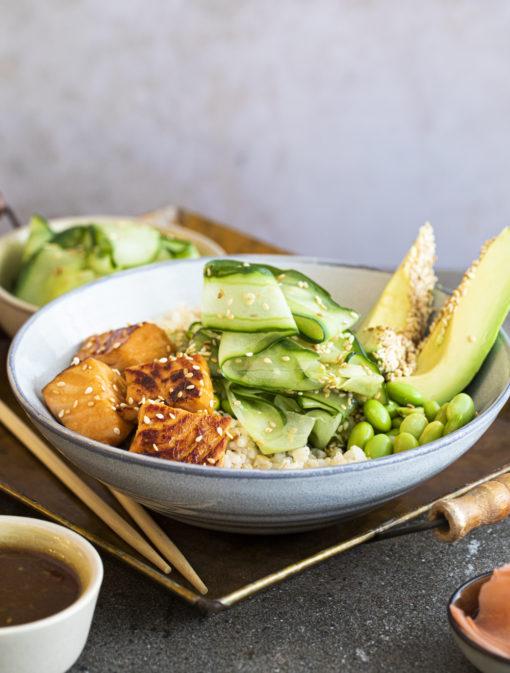 Bol japonais de saumon teriyaki