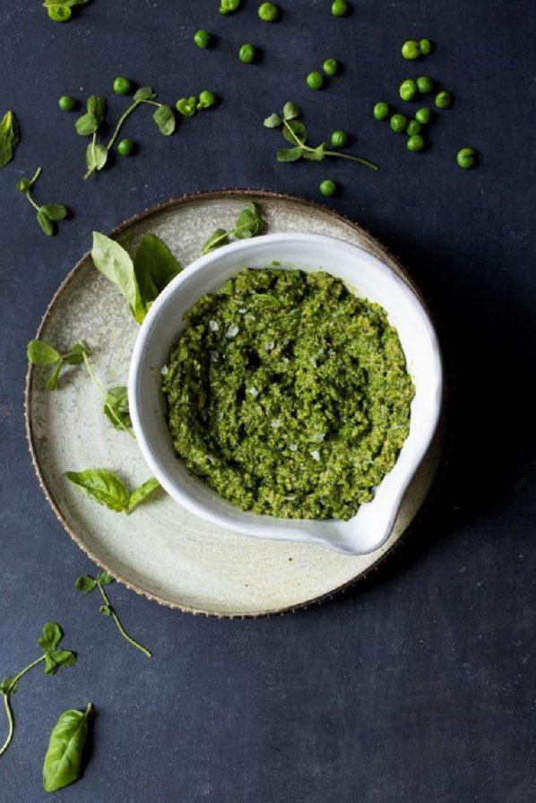 Pesto de petits pois, menthe et basilic sans noix