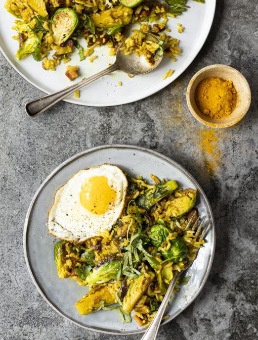 Riz frit aux choux de Bruxelles, pancetta et érable